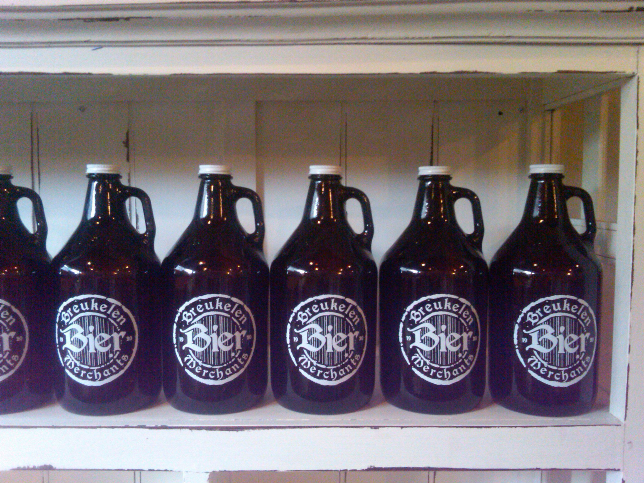 Breukelen Bier Merchants Temp Growler